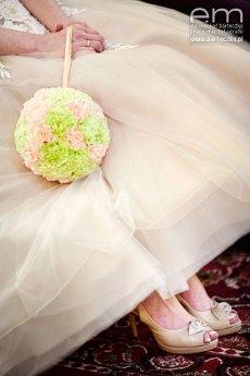 Kolorowe buty do ślubu