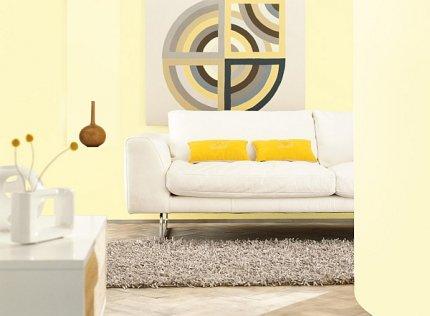 Salon pomalowany farbą Promienny Dzień
