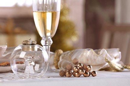 Dekoracje świąteczne, ozdoby w kolorze złotym