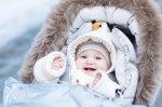 Jak bezpiecznie wozić dziecko zimą?