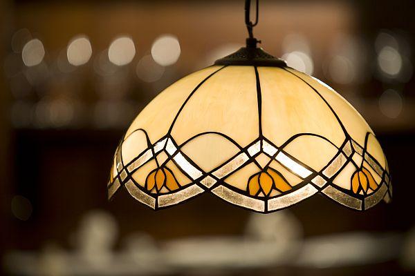 Planując oświetlenie mieszkania trzeba zwrócić uwagę na mnóstwo aspektów.