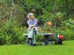 Narzędzia do jesiennej pielęgnacji trawnika