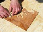Wykorzystanie ręcznych metod do produkcji intarsjowanego parkietu taflowego