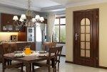 Klasycznie urządzona kuchnia z  drzwiami VITTORIA