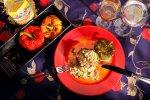 Papryka nadziewana makaronem i mięsem