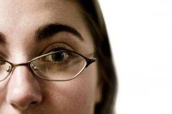 Na co zwrócić uwagę wybierając okulary?